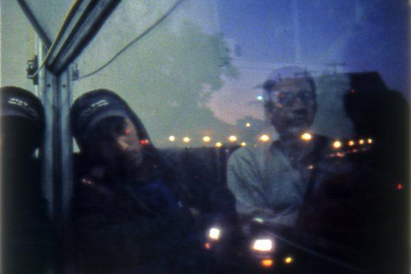 piensa-bus-reflejo-nochehr-1294_orig
